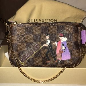 NWT Rare limited edition of only 350 LV Pouchette